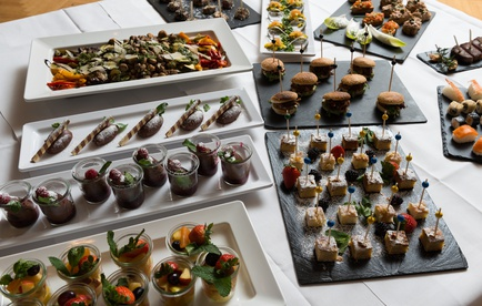 Fingerfood-Buffet in der Gastronomie